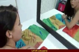 نيك اصغر فتاة في العالم